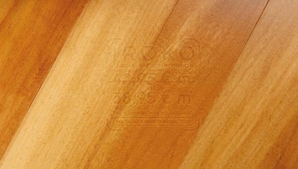 foto de suelo de tarima de iroko