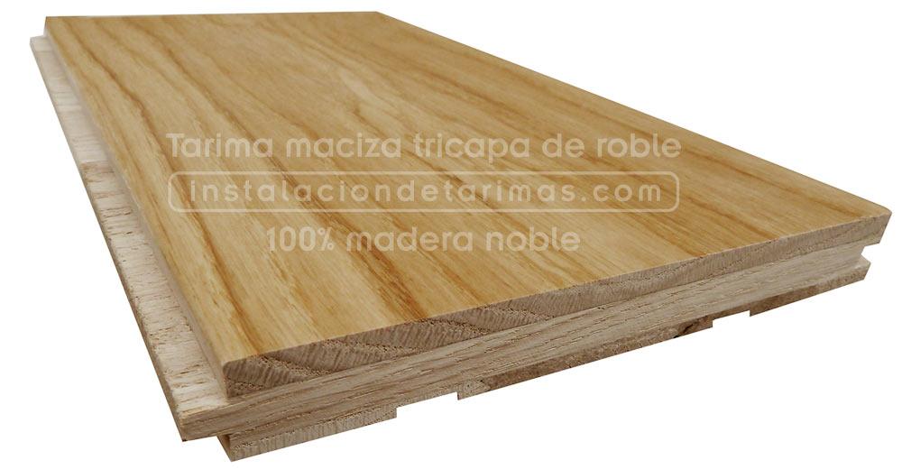 foto de tarima maciza tricapa de madera de roble, se observa como está formada por tres capas de madera 100% natural
